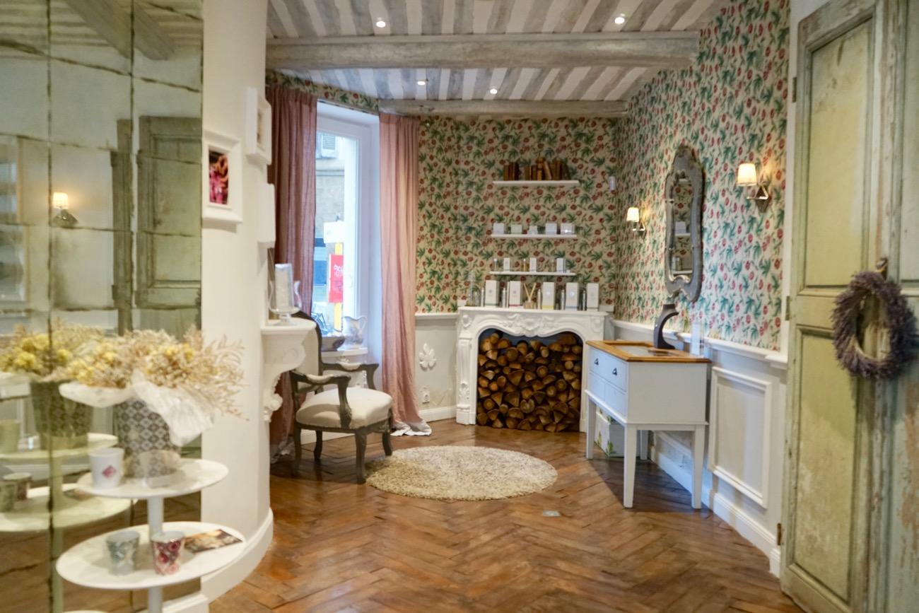 luxury candles and perfume aix en provence rose et. Black Bedroom Furniture Sets. Home Design Ideas