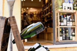 Mademoiselle Wine cave à à vins à Aix en Provence devanture