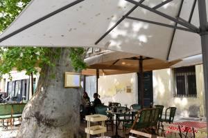 cafe du temps café et restaurant végétarien aix en provence terrasse