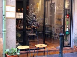 Mana, coffee shop in Aix-en-Provence (Facade)
