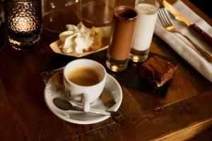Café Voltaire, café et bistrot à Aix-en-Provence (café gourmand)