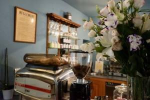 La maison du collectionneur, chambres d'hôtes in Aix-en-Provence (Café)