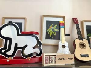 Love-spots_petitchose_aix-en-provence_magasin pour enfant_08_guitare