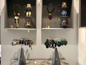 Missback, Lovespots, Aix-en-Provence (accessories)