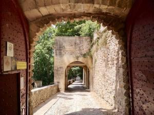 Rocher Mistral, le nouveau projet du Château de la Barben (Entrée)