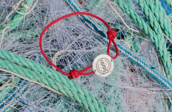 Sauvage, bijoux et accessoires issus du recyclage de déchets marins (bracelet)