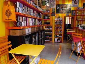 Le Bière Paul Jack, bar et cave à bières artisanales à Aix-en-Provence : boutique et bar