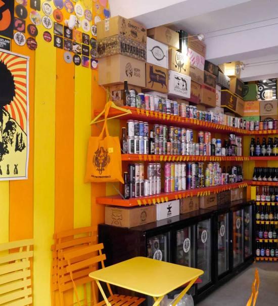 Le Bière Paul Jack, bar et cave à bières artisanales à Aix-en-Provence : 250 références de bière et bar