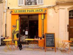 Le Bière Paul Jack, bar and artisanal beers in Aix-en-Provence (terrace)