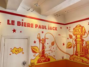 Le Bière Paul Jack, bar and artisanal beers in Aix-en-Provence (deco)