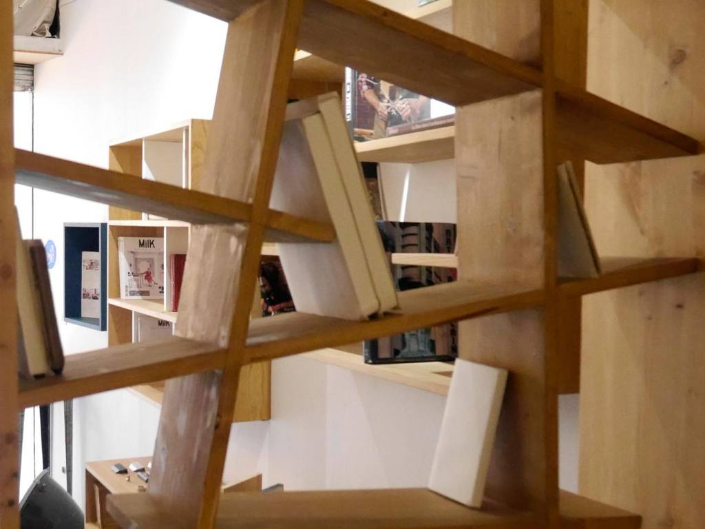 N2, furniture in Aix-en-Provence, asymetric shelves