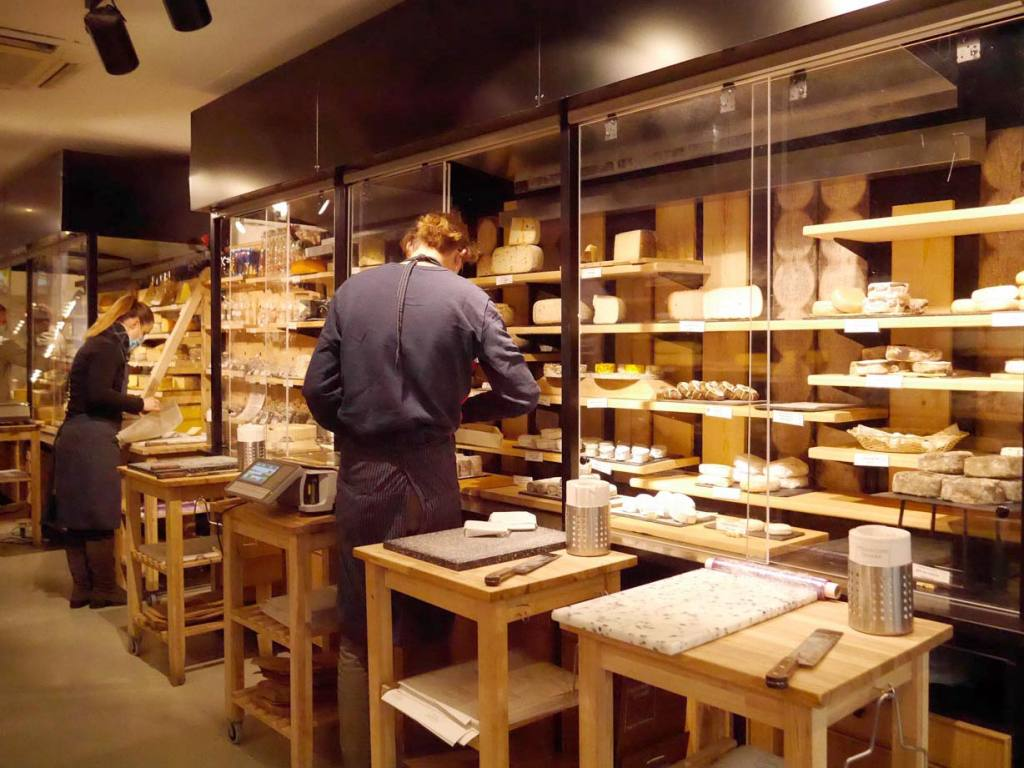 Fromagerie Lemarié, cheese shop in Aix-en-Provence (interior)