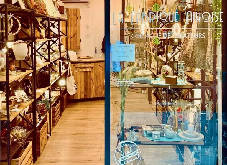 La Fabrique Aixoise, boutique de créateurs à Aix (vitrine)
