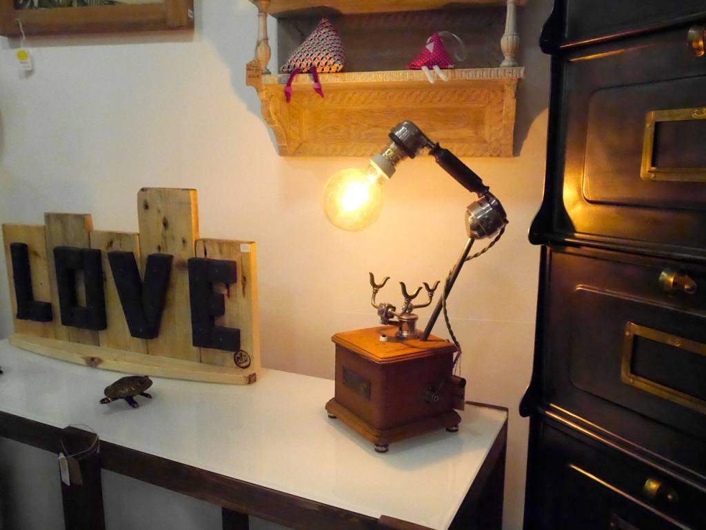 Ma fabrique déco, meubles à Aix-en-Provence (lampe-téléphone)