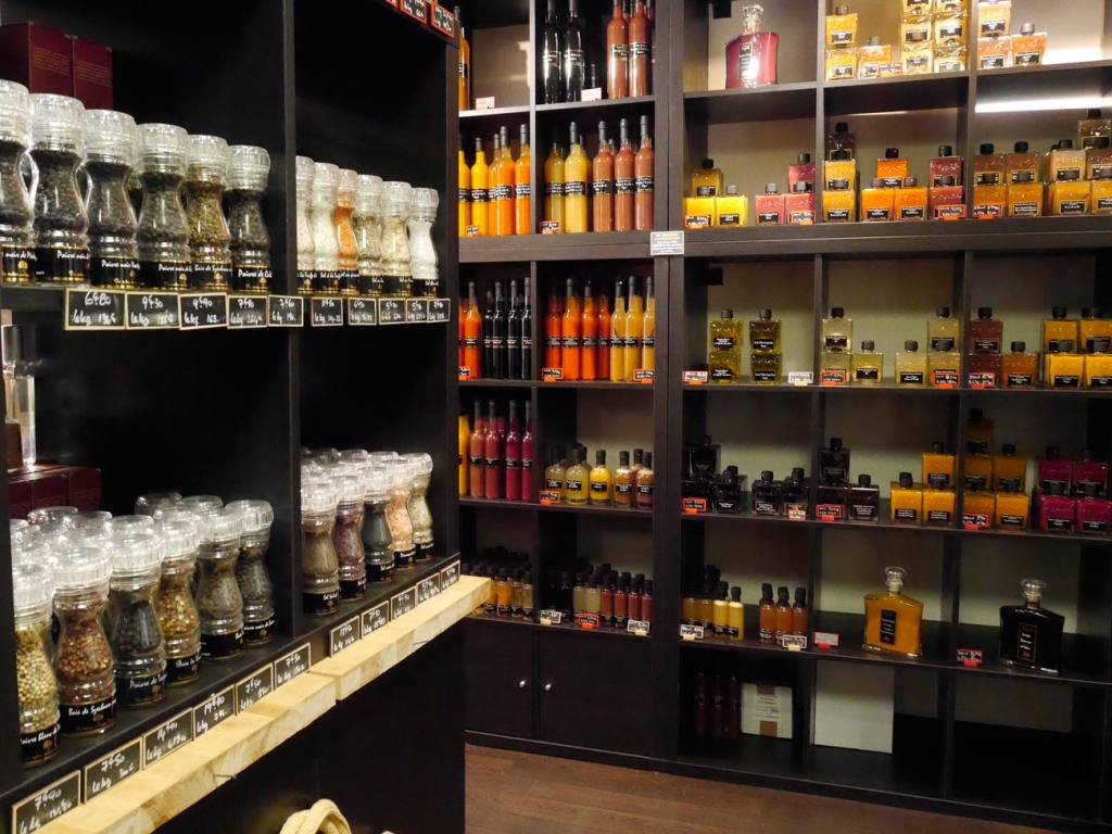 Popol, grocery in Aix-en-Provence (spices)