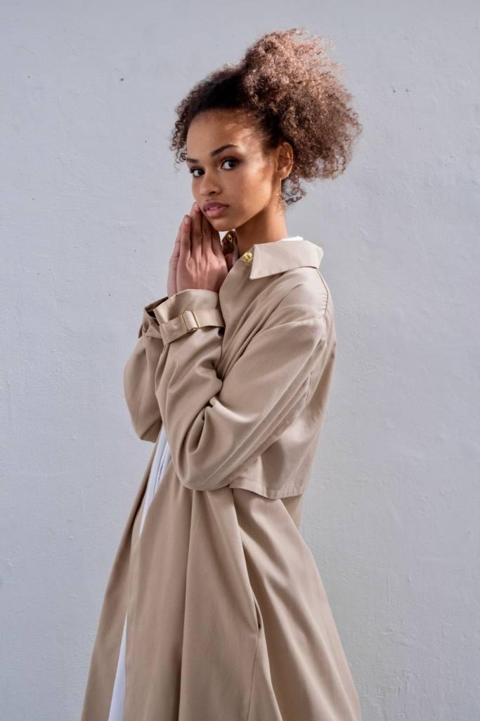 Numa Figuccia, Designer de mode à Aix-en-Provence (trench)