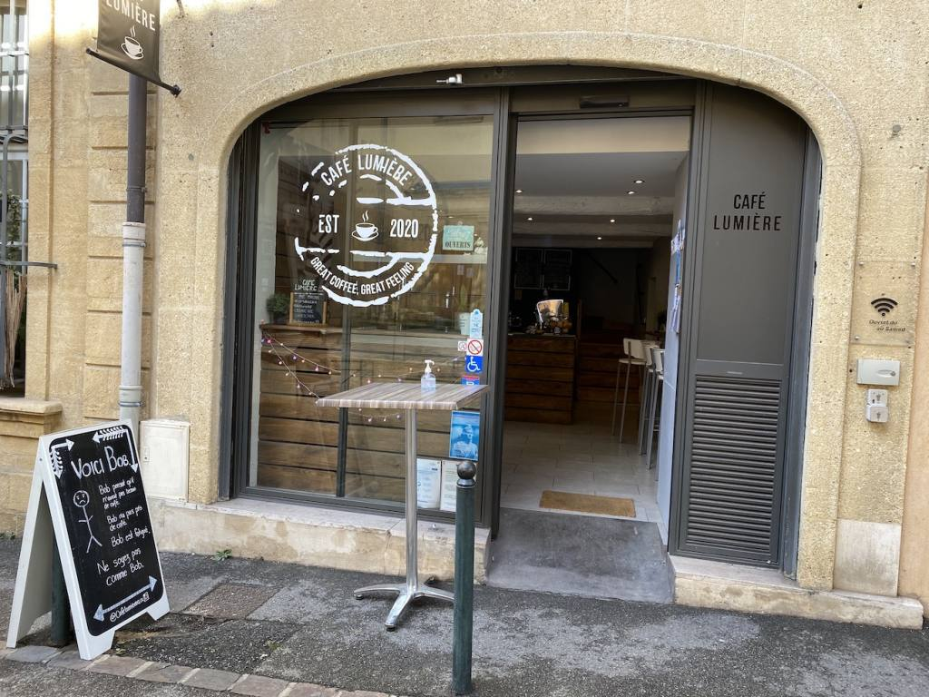 Cafe Lumière, coffee shop in Aix-en-Provence, city guide Love Spots (facade)