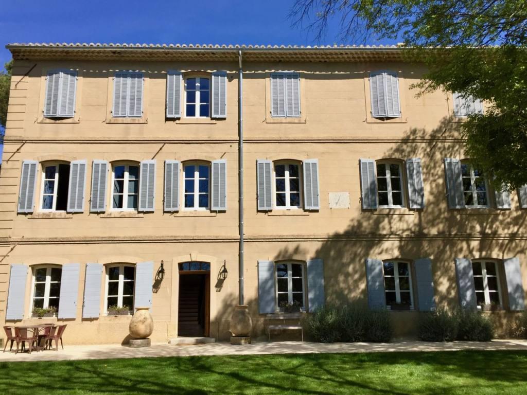 Boisson Art Centre, Contemporary Art, Aix, city guide Love Spots (view of the house)