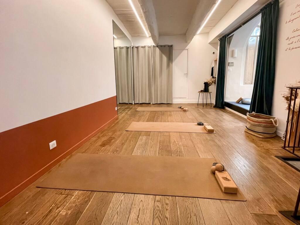 Embrasium, eco-store, and yoga school in Aix (studio)
