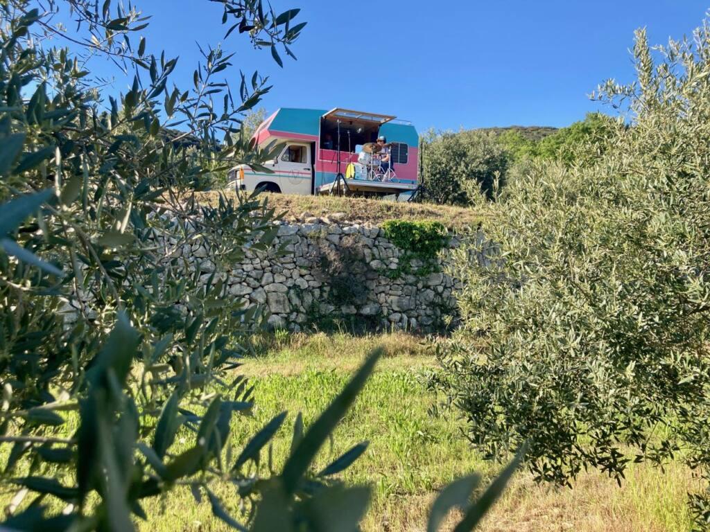 Musiq Voyage, Sound truck itinérant en Provence (dans les vignes)